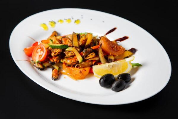 Мідія смажена з овочами